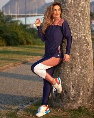 Look Cyber Candy Jet Marinho com Rosê Van Andretta SND